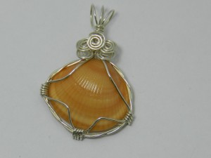 1507-11 natural shell necklace handcrafted local jewelry 203 513-1045